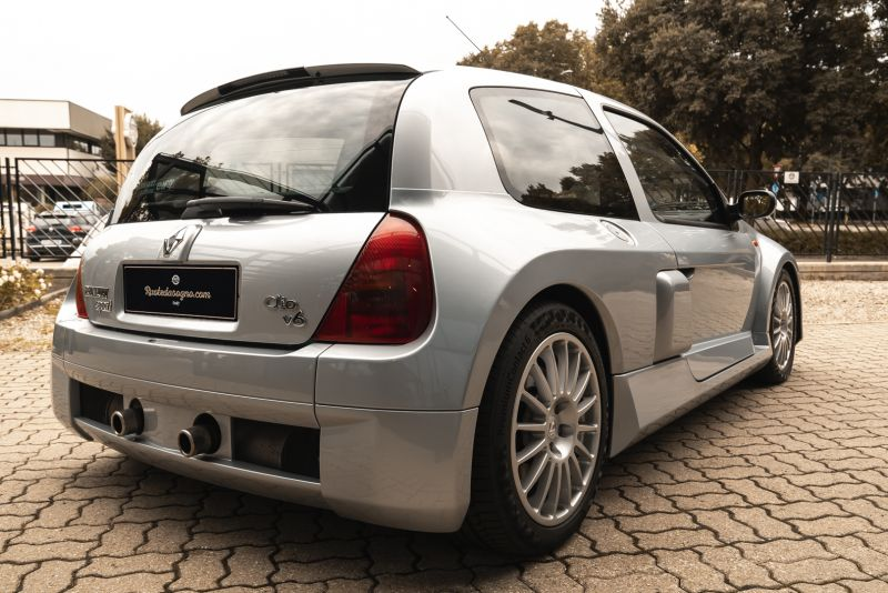 2002 Renault Clio 3.0 V6 Renault Sport Phase1 84924