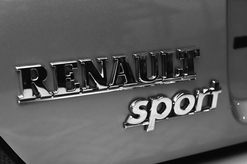 2002 Renault Clio 3.0 V6 Renault Sport Phase1 84936