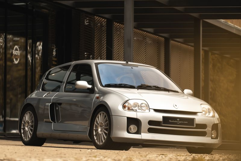 2002 Renault Clio 3.0 V6 Renault Sport Phase1 84917