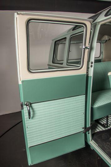 """1964 Volkswagen T1 """"21 windows"""" 64184"""