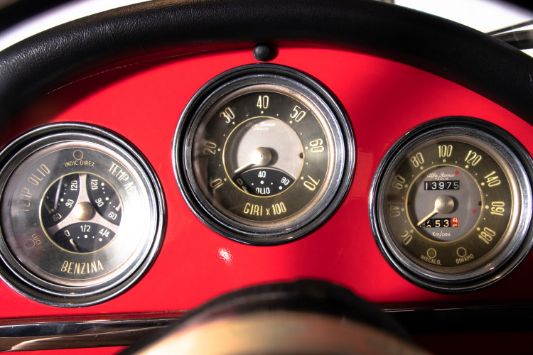 1962 Alfa Romeo Giulietta Spider 23