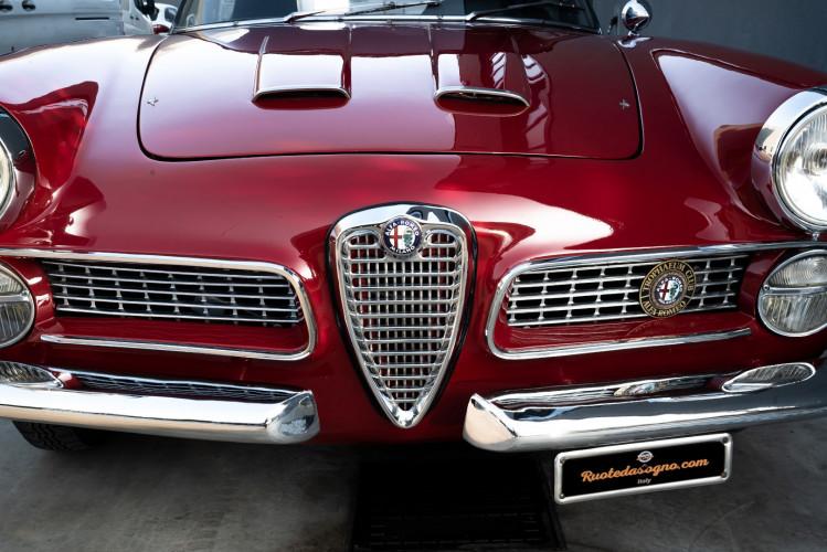 1961 Alfa Romeo 2000 Spider Touring 5