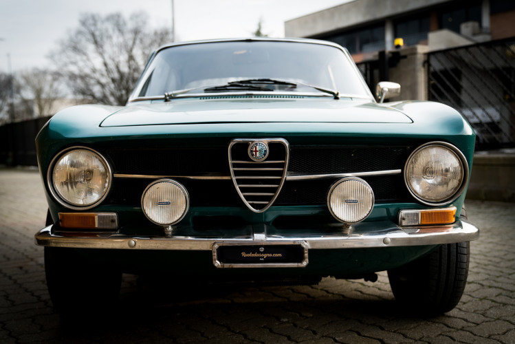 1970 Alfa Romeo GT 1300 Junior 2