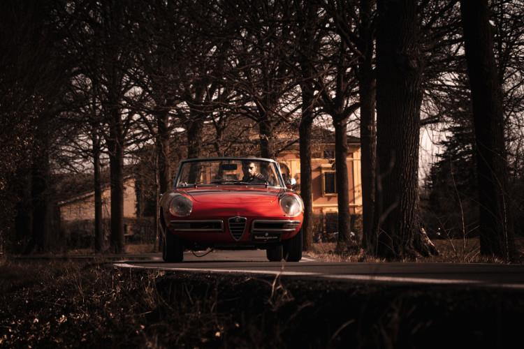 """1970 Alfa Romeo Duetto 1750 """"osso di seppia"""" 6"""