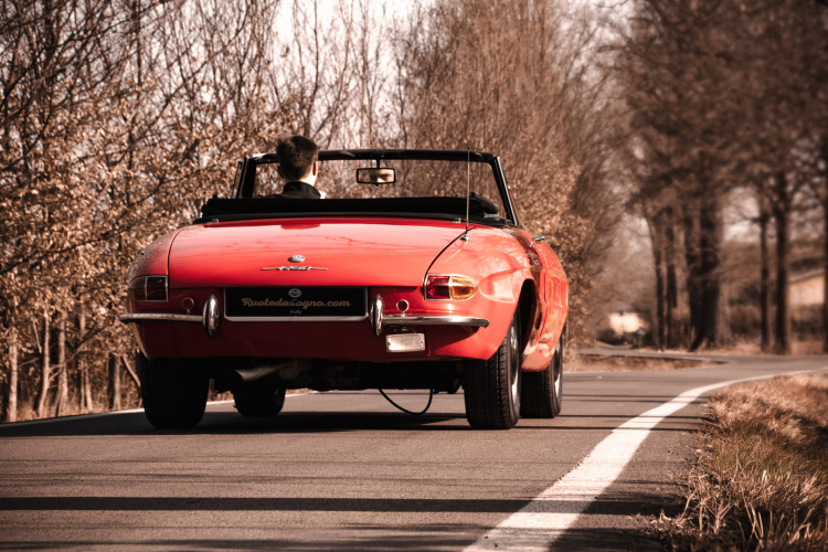 """1970 Alfa Romeo Duetto 1750 """"osso di seppia"""" 1"""