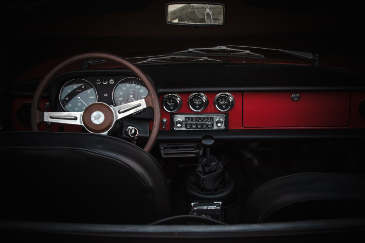 """1970 Alfa Romeo Duetto 1750 """"osso di seppia"""" 35"""