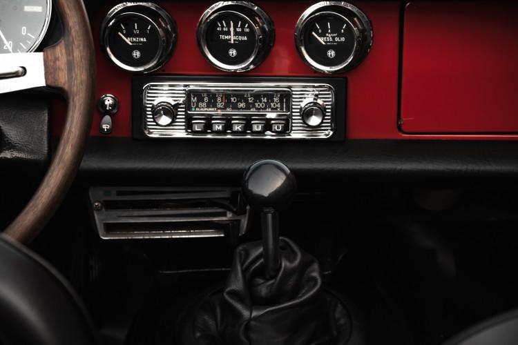 """1970 Alfa Romeo Duetto 1750 """"osso di seppia"""" 13"""