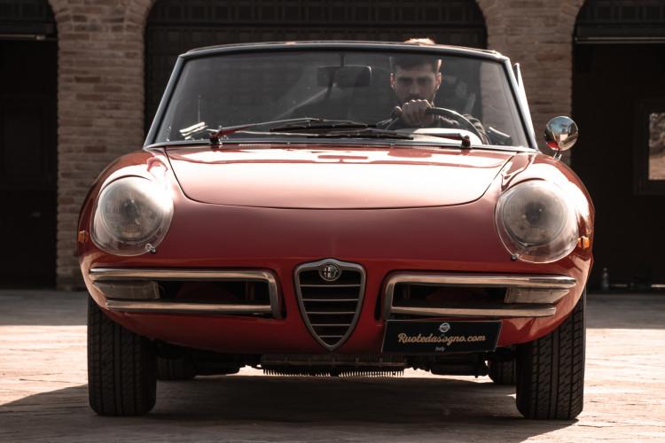 """1970 Alfa Romeo Duetto 1750 """"osso di seppia"""" 3"""