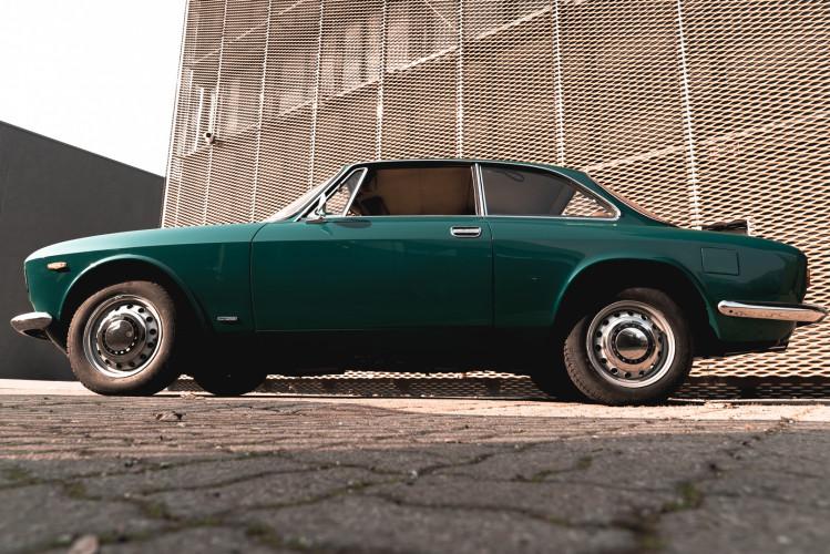 1969 Alfa Romeo GT 1300 Junior Scalino 3