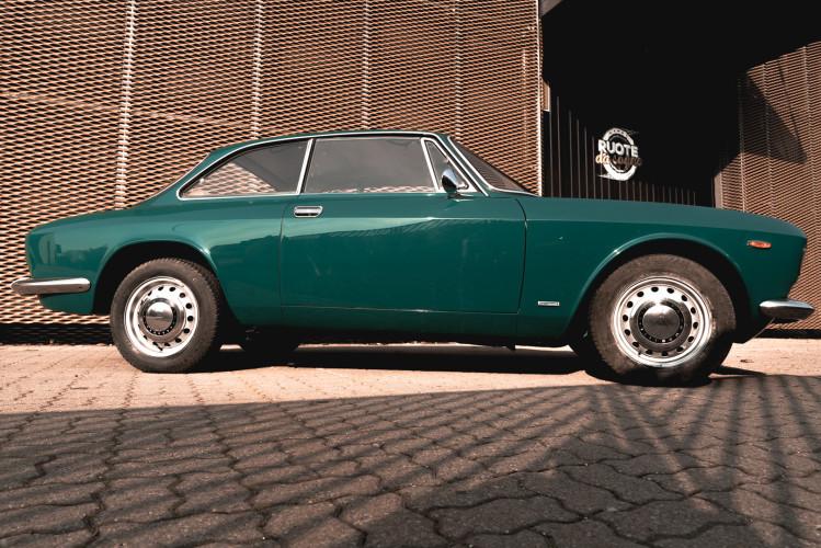 1969 Alfa Romeo GT 1300 Junior Scalino 4