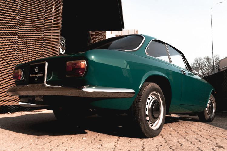 1969 Alfa Romeo GT 1300 Junior Scalino 6