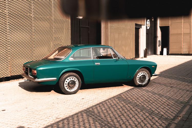 1969 Alfa Romeo GT 1300 Junior Scalino 7
