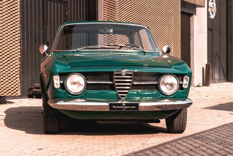 1969 Alfa Romeo GT 1300 Junior Scalino 1