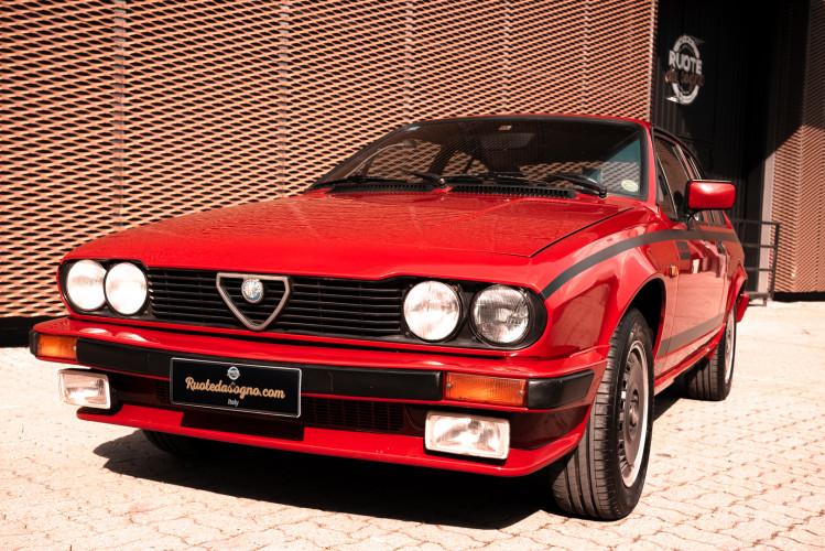 1981 Alfa Romeo Alfetta GTV Gran Prix no. 128 0