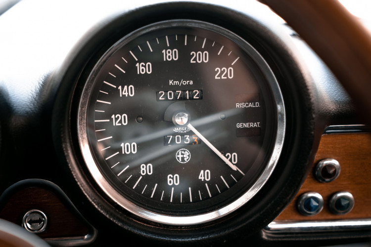 1973 Alfa Romeo GT 1300 Junior 24