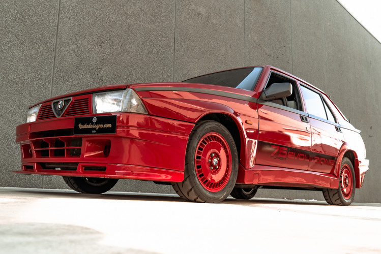 1987 Alfa Romeo 75 Turbo Evoluzione 4