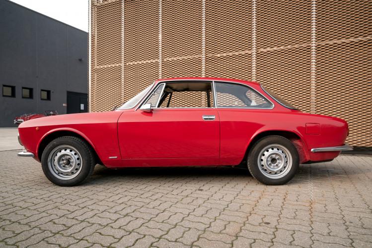 1973 Alfa Romeo GT 1300 Junior 13