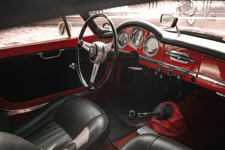 1963 Alfa Romeo Giulia Spider  24