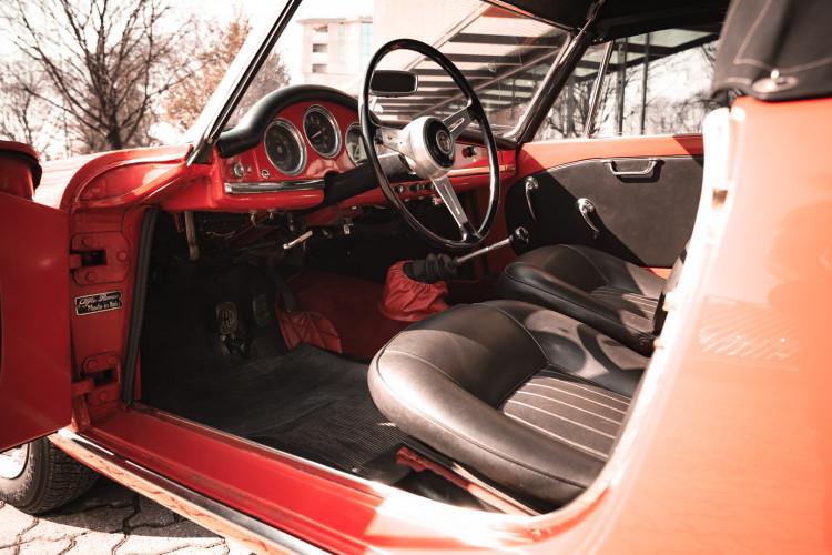 1963 Alfa Romeo Giulia Spider  25