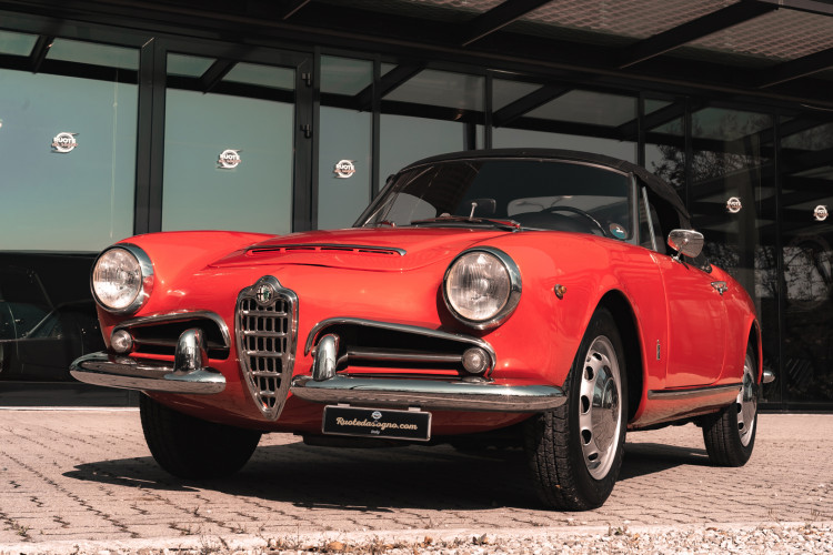 1963 Alfa Romeo Giulia Spider  2