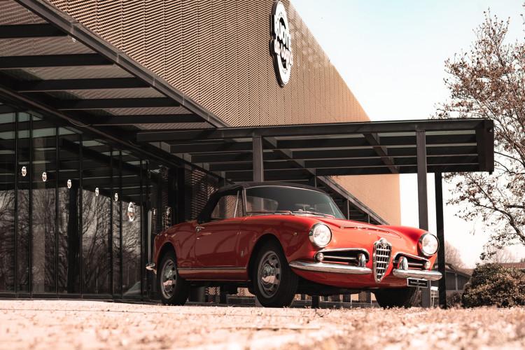 1963 Alfa Romeo Giulia Spider  23