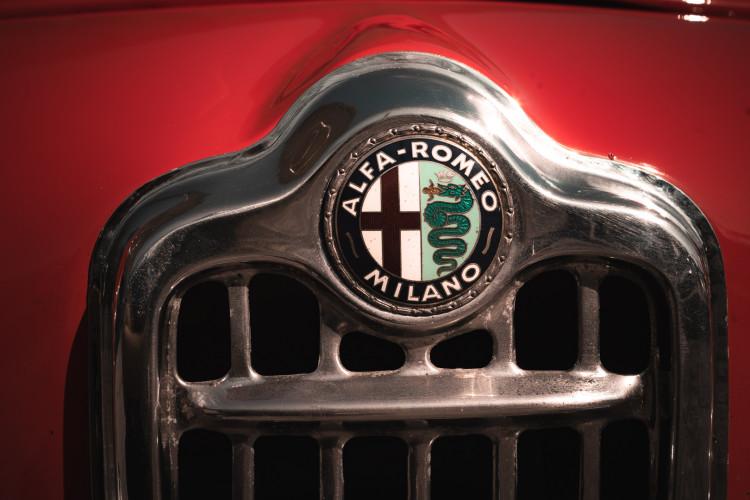 1963 Alfa Romeo Giulia Spider  17