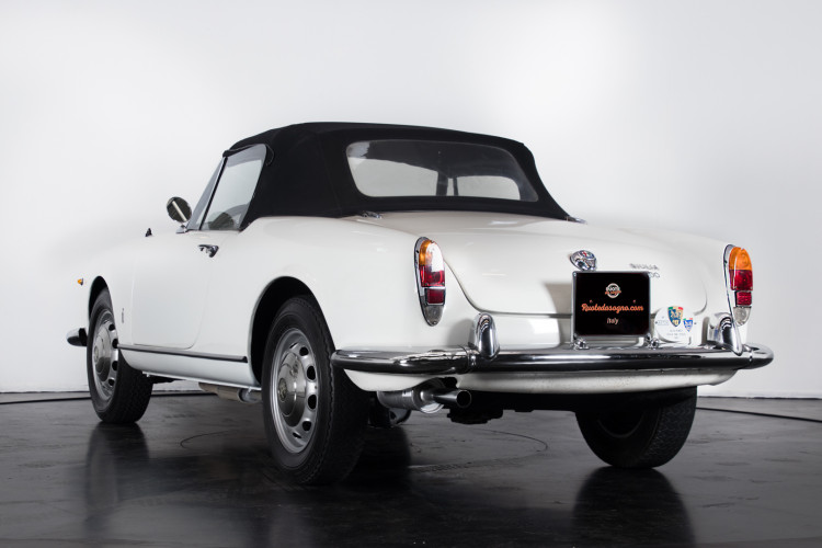 1962 Alfa Romeo Giulia spider 1600 2