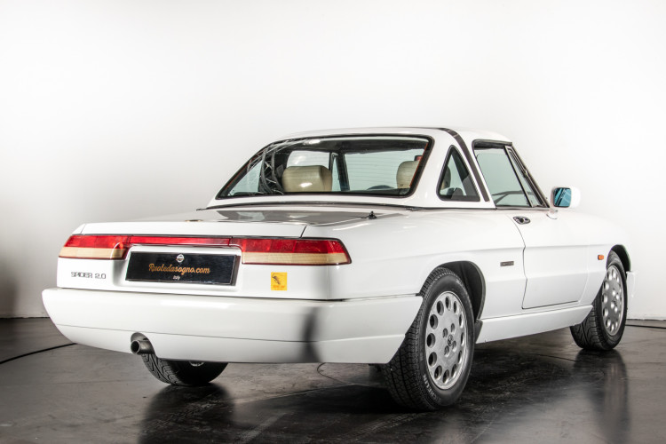 "1990 Alfa Romeo spider 2000 ""Duetto"" 4"