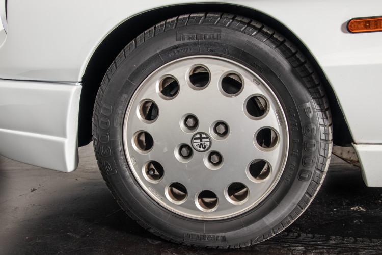 "1990 Alfa Romeo spider 2000 ""Duetto"" 8"