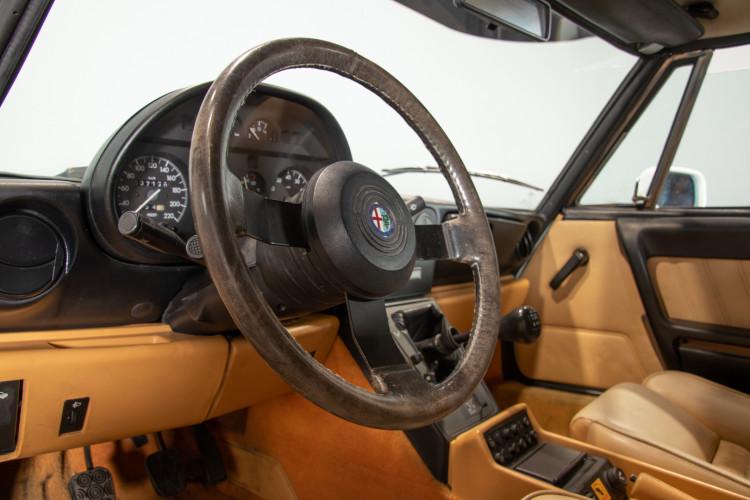 "1990 Alfa Romeo spider 2000 ""Duetto"" 21"