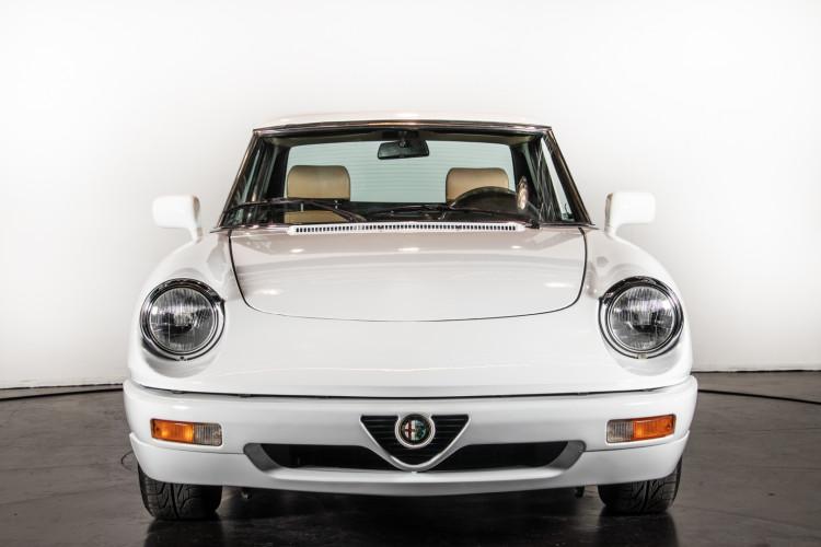 "1990 Alfa Romeo spider 2000 ""Duetto"" 1"