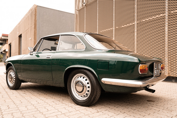 1966 Alfa Romeo GT 1300 Junior Scalino 8