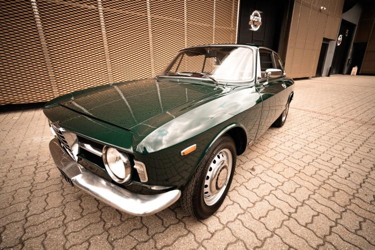 1966 Alfa Romeo GT 1300 Junior Scalino 5