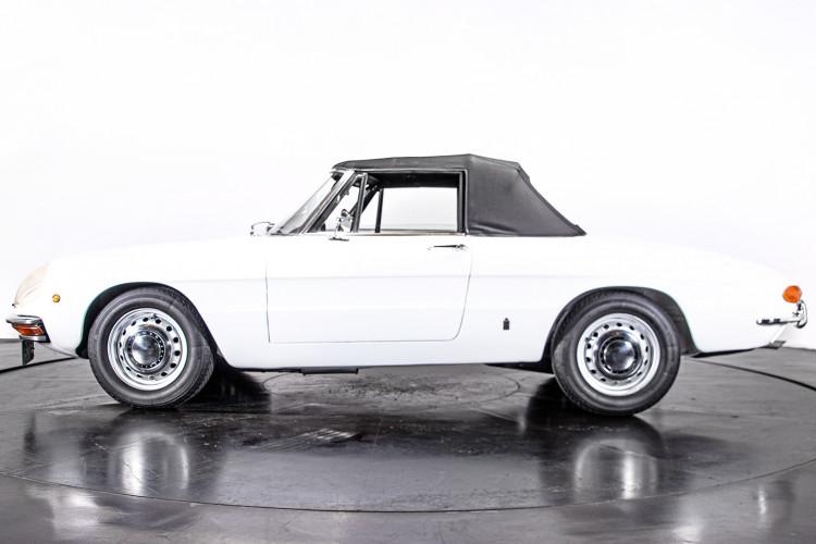 """1969 Alfa Romeo Duetto Spider 1750 """"Osso di Seppia"""" 1"""