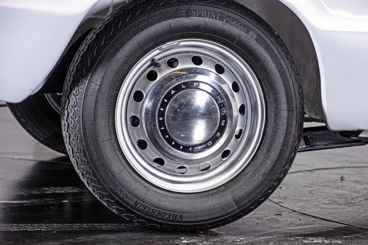 """1969 Alfa Romeo Duetto Spider 1750 """"Osso di Seppia"""" 16"""