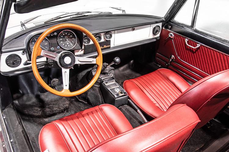 """1969 Alfa Romeo Duetto Spider 1750 """"Osso di Seppia"""" 31"""