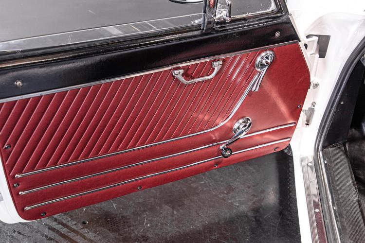 """1969 Alfa Romeo Duetto Spider 1750 """"Osso di Seppia"""" 34"""