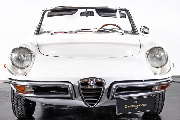 """1969 Alfa Romeo Duetto Spider 1750 """"Osso di Seppia"""" 15"""