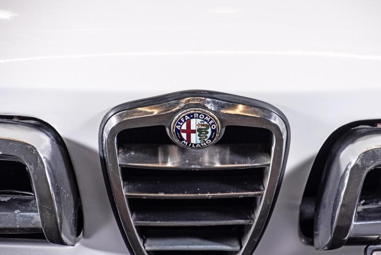 """1969 Alfa Romeo Duetto Spider 1750 """"Osso di Seppia"""" 17"""