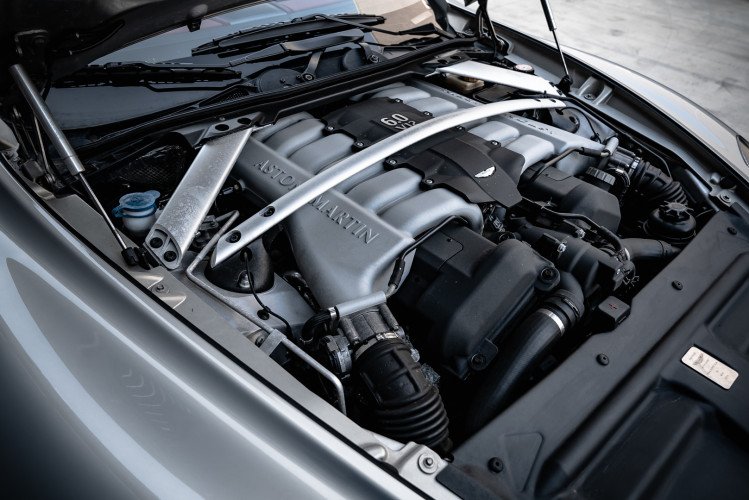 2010 Aston Martin Rapide 6.0 V12 76