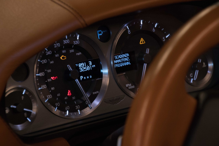 2006 Aston Martin DB9 Volante 15