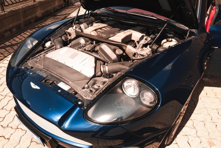 2001 Aston Martin V12 Vanquish 32