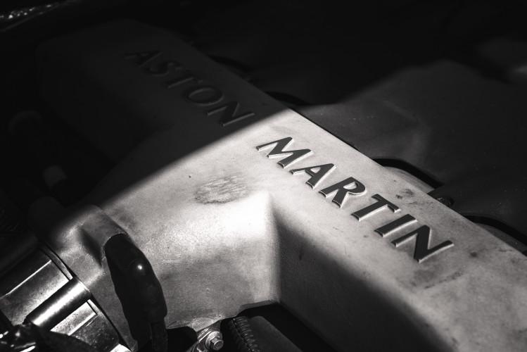 2001 Aston Martin V12 Vanquish 35