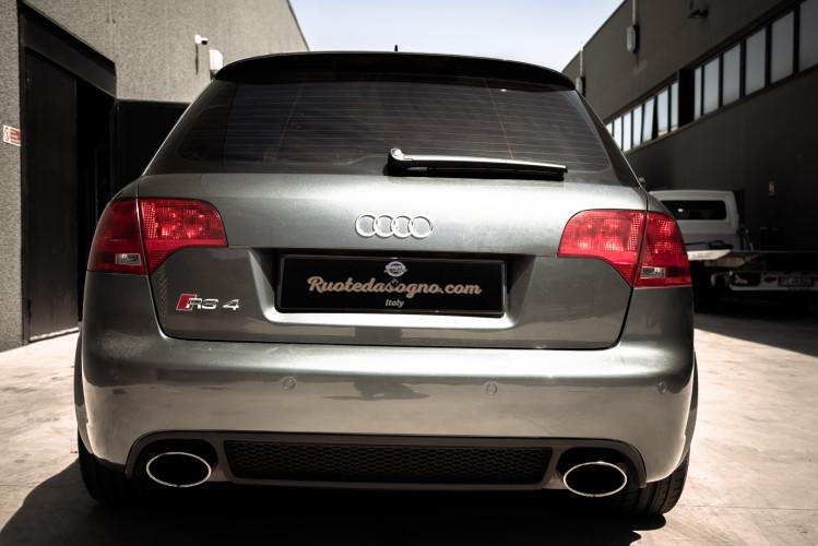 2006 Audi RS4 Avant Quattro V8 4.2 FSI 5
