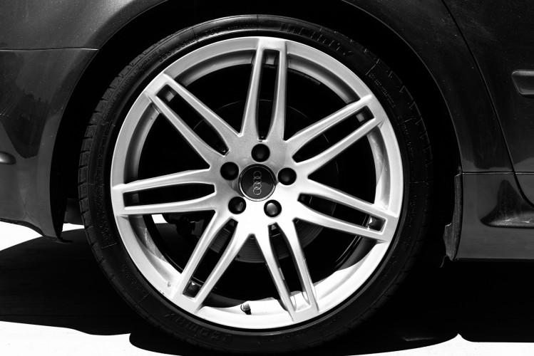 2006 Audi RS4 Avant Quattro V8 4.2 FSI 12