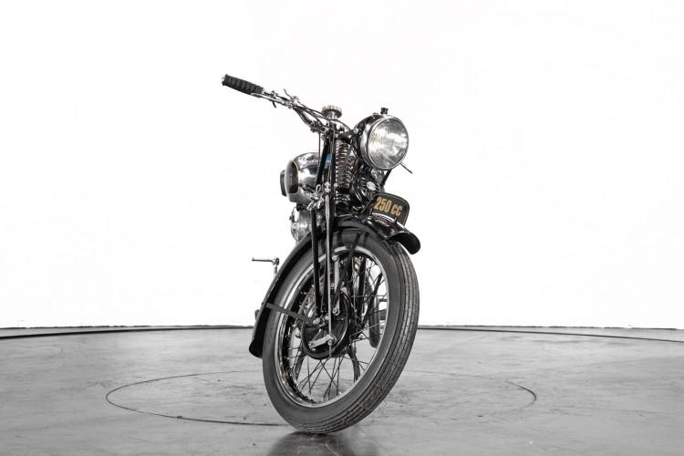 1938 Benelli 250 2