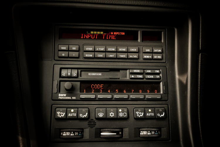 1997 BMW 850 Ci 32