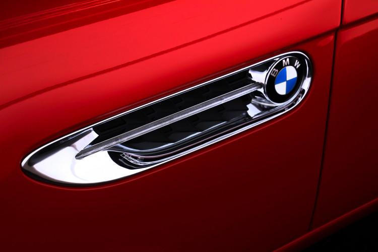 2003 BMW Z8 11