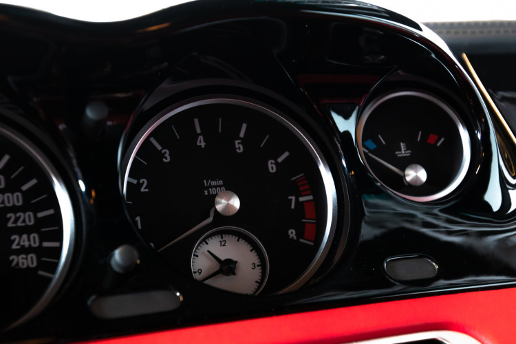 2003 BMW Z8 29