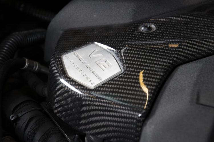 2014 Lamborghini Aventador Roadster  20